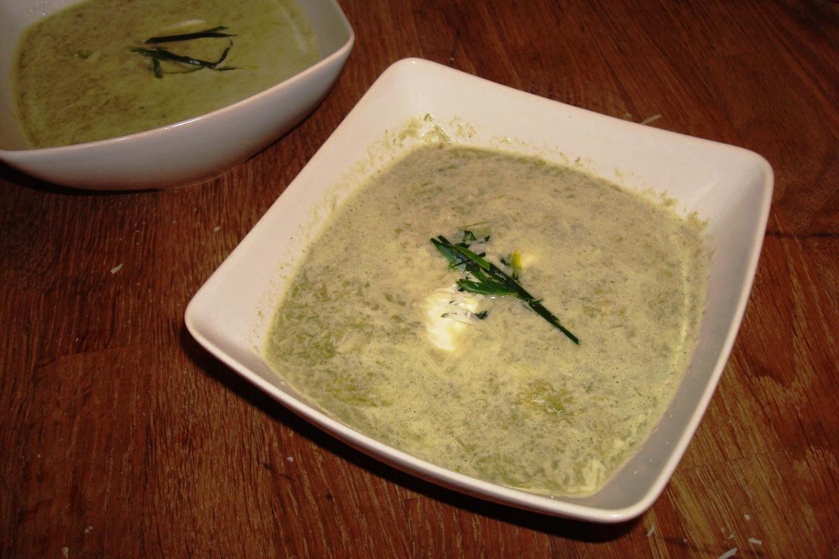 Fennikel suppe med porrer og cremefraiche